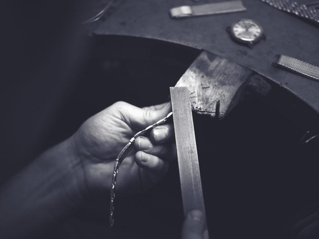 goldschmiede podpera gold uhrenarmband wiener handwerk feilnagel feilen omega 7037845